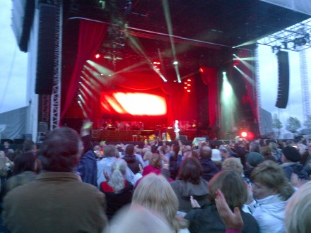 Barry Manilow - Ageas Bowl - Crap Blackberry photo