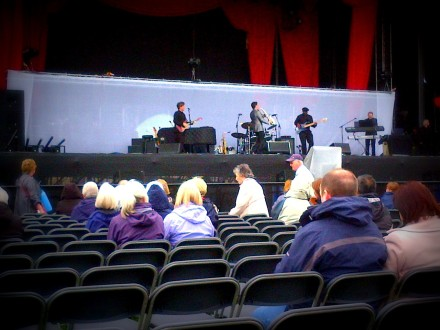 Dave Koz - Ageas Bowl Warming up the audience while they waited for Barry Manilow