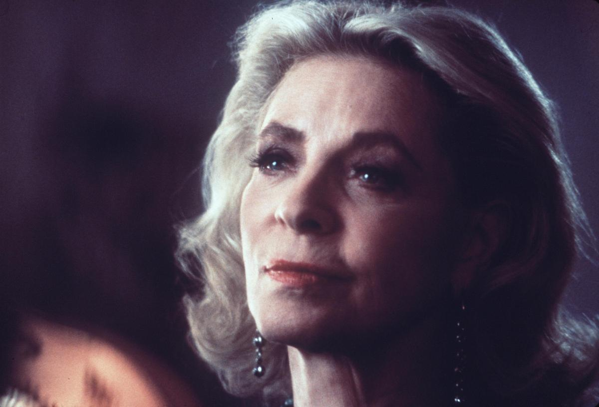 Hollywood Legend Lauren Bacall Dead At 89