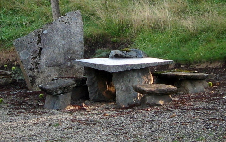 I think Fred & Wilma probably live here. Actually an improvised outdoor dining set for our nearest neighbour.