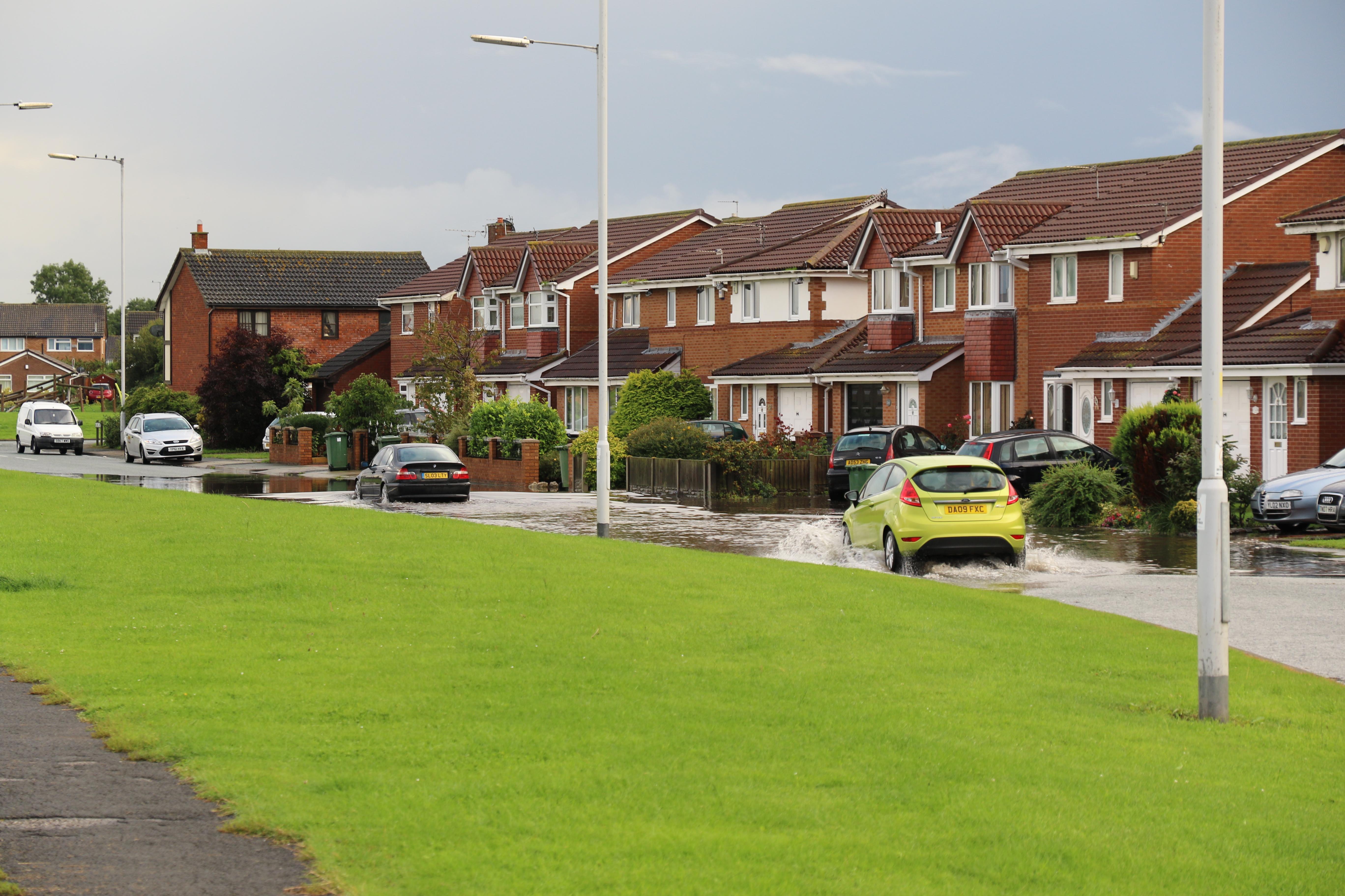 Moreton Floods - Millhouse Lane, towards Town Meadow Lane