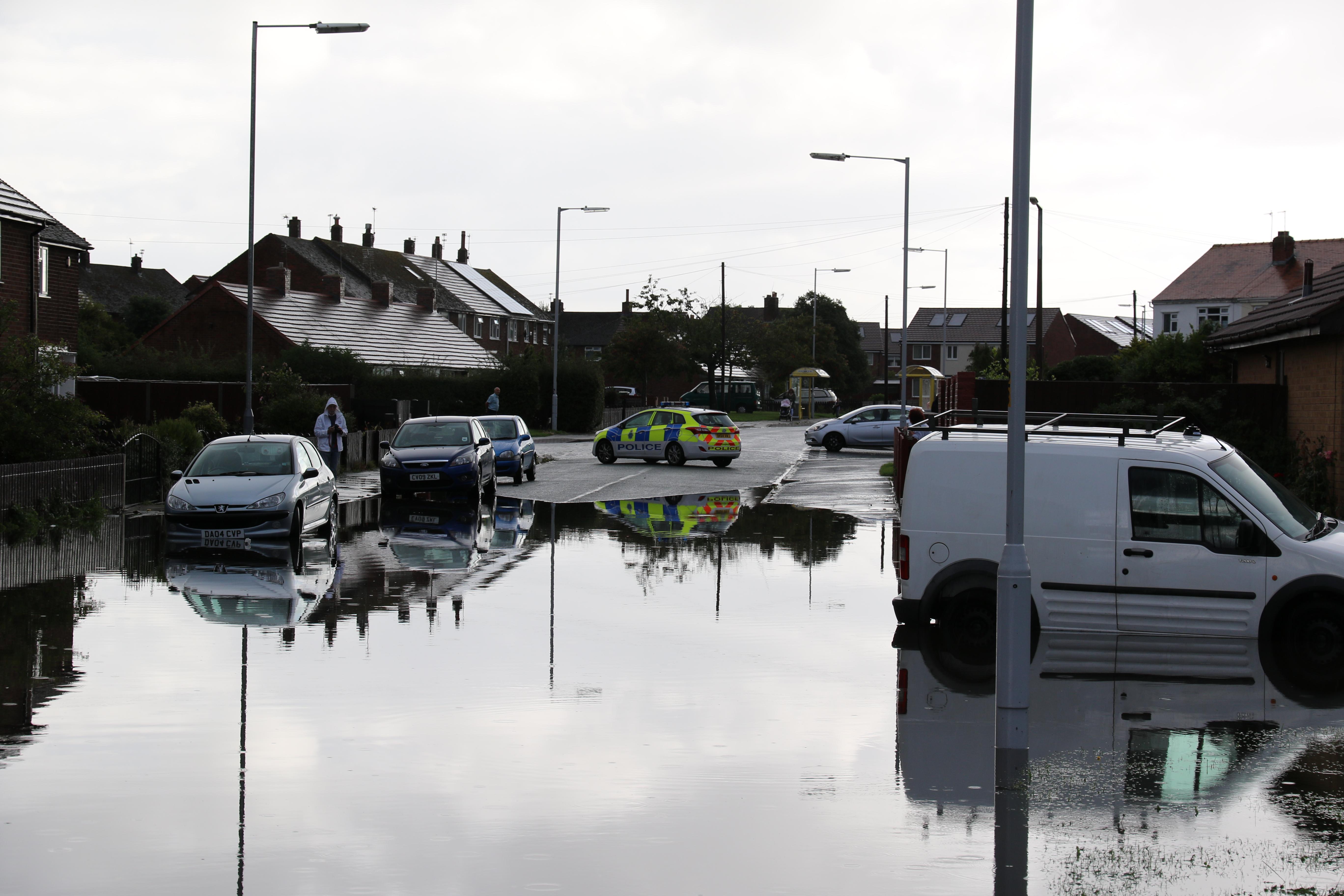 Moreton Floods - Town Meadow Lane towards Bermuda Road