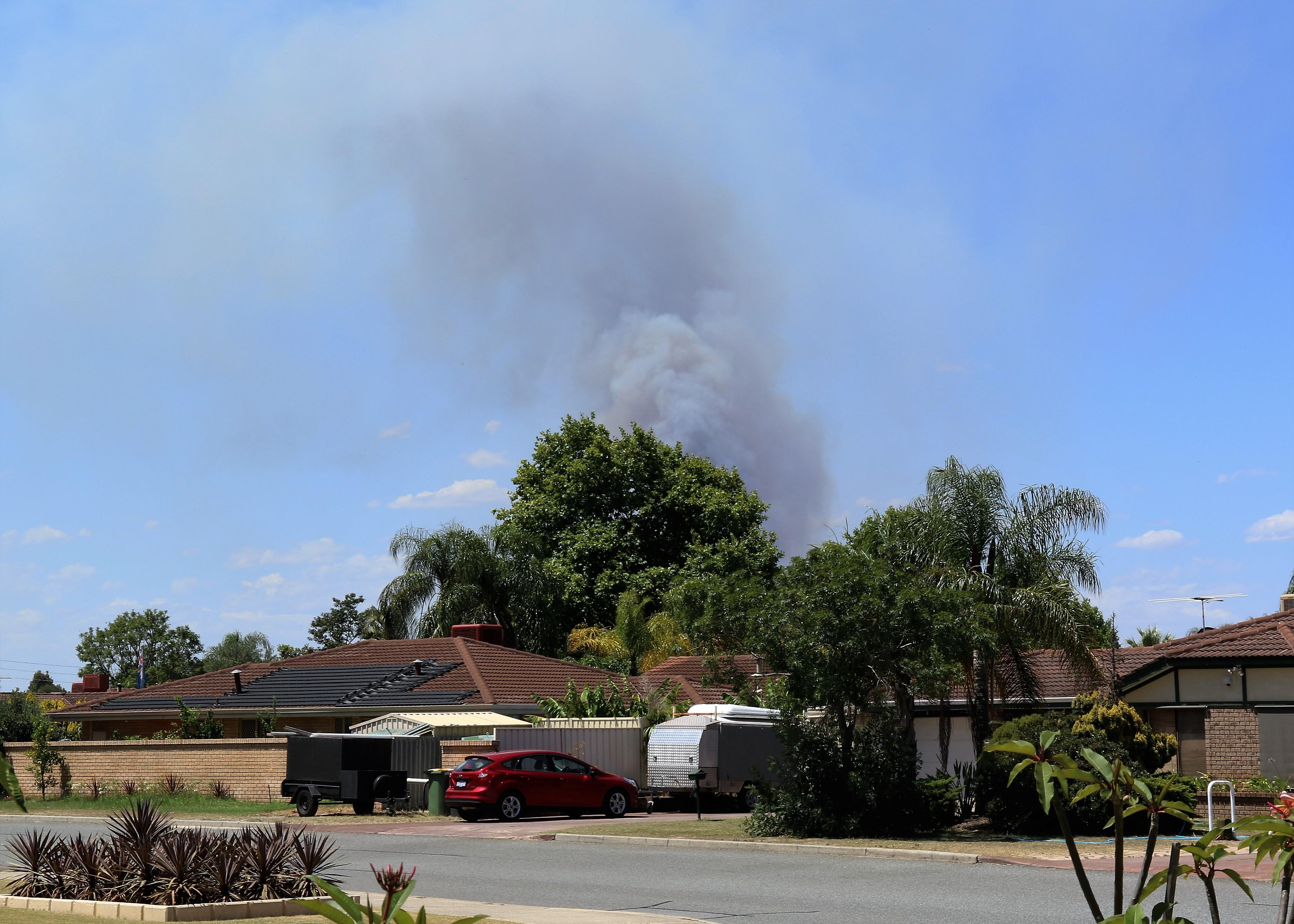 Smoke Plume - Bushfire - Brentwood Road, Kenwick, Perth WA