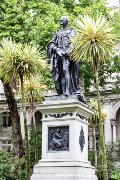 Statue - Sir Henry Bartle Frere