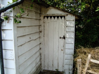 Whittakers Cottages - Privvy