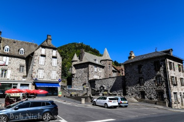 Place de L'Hotel de Ville - Vic-sur-Cere