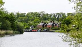 Dutton Locks Cottages