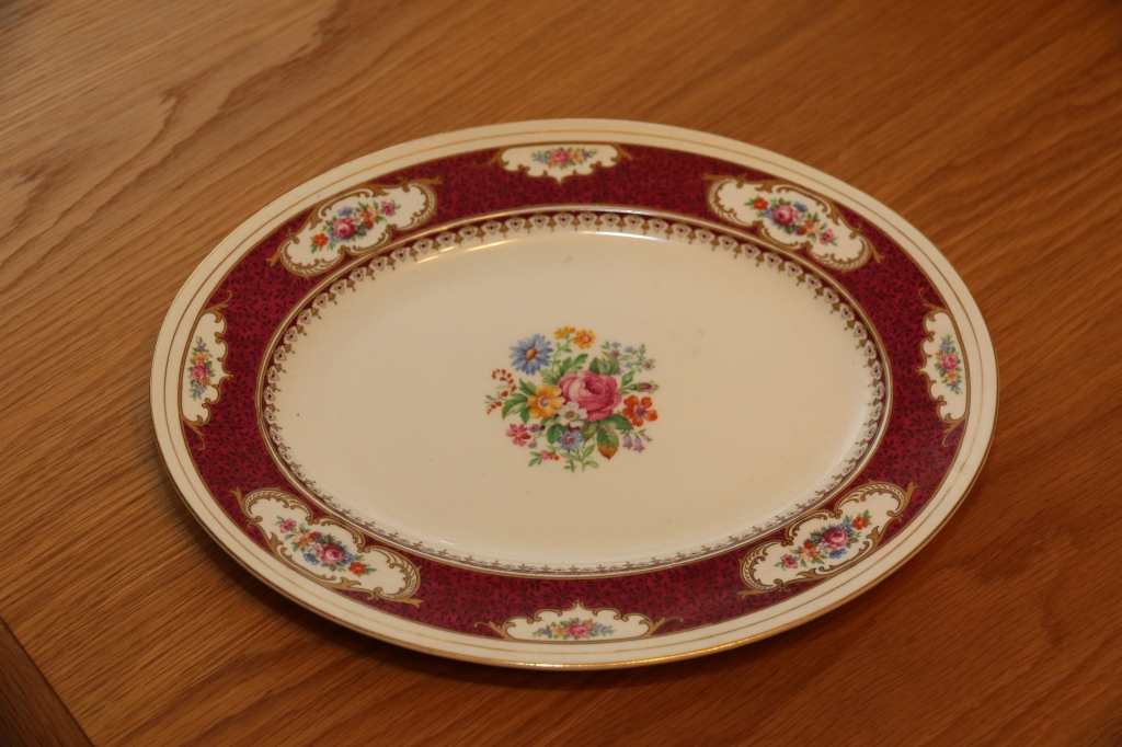 "Serving Plate ""Majestic"""